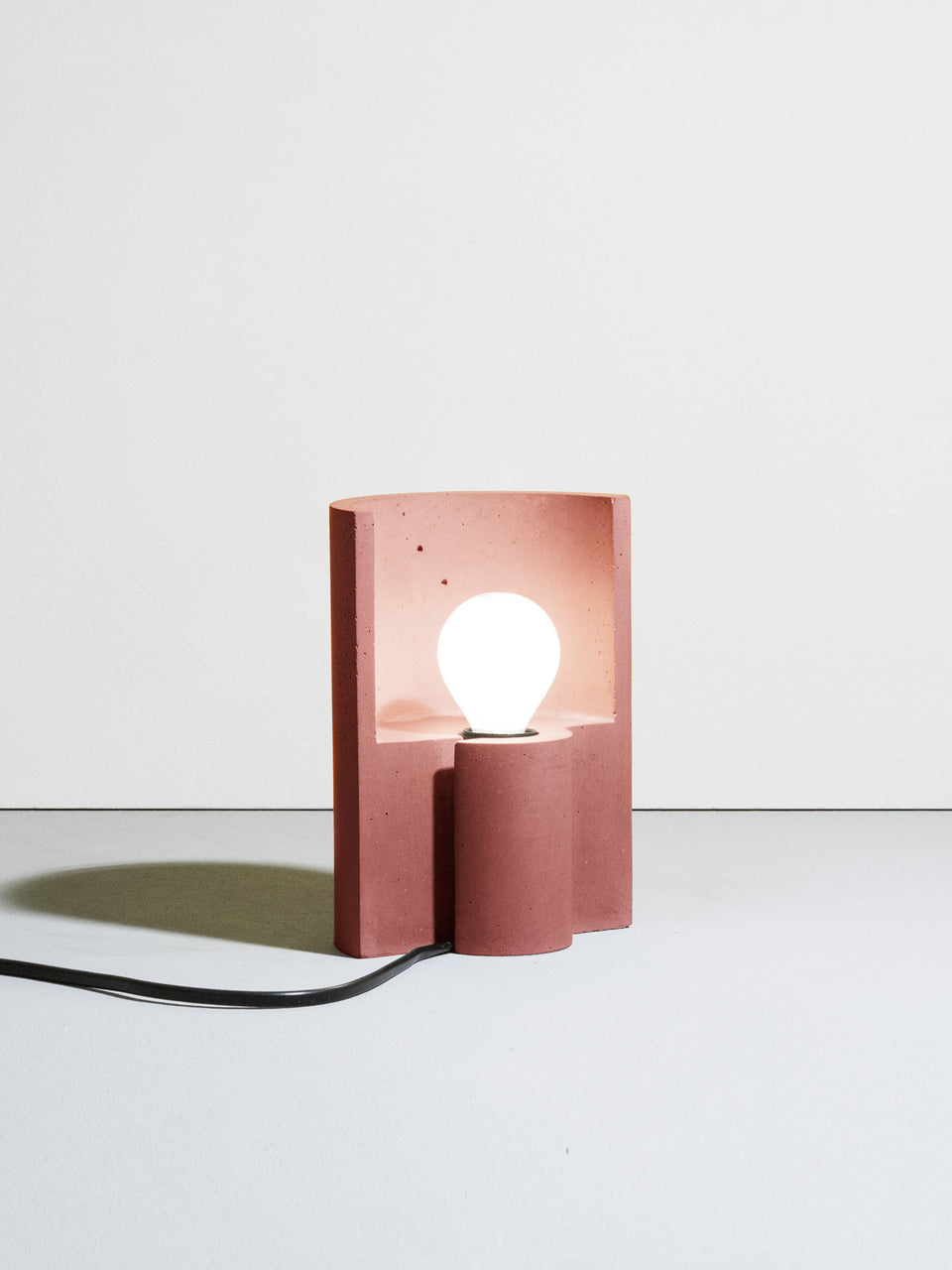 Esse table lamp