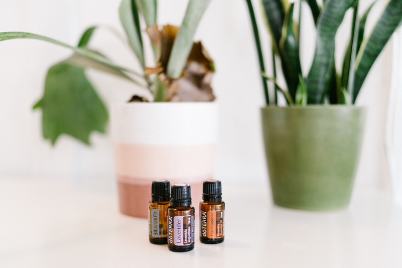 4 Essential Oil Blends to Manage Your Stress By Rachel Medlock