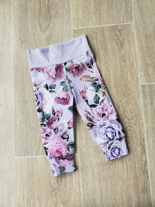 Ainsley floral joggers size newborn