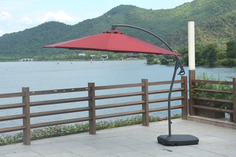 Luna outdoor premium umbrella for all weather.