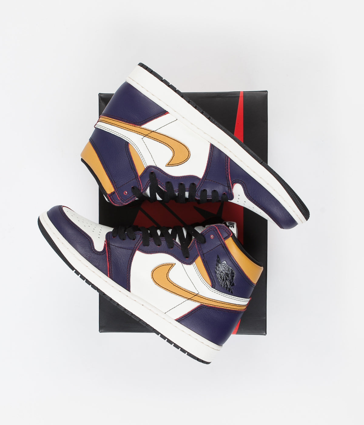 Nike SB Air Jordan 1 OG Defiant Shoes - Court Purple / Black - Sail - University Gold