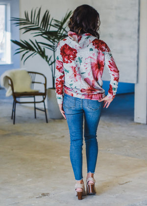 GLOBAL GIRL IN FLORAL:GRY