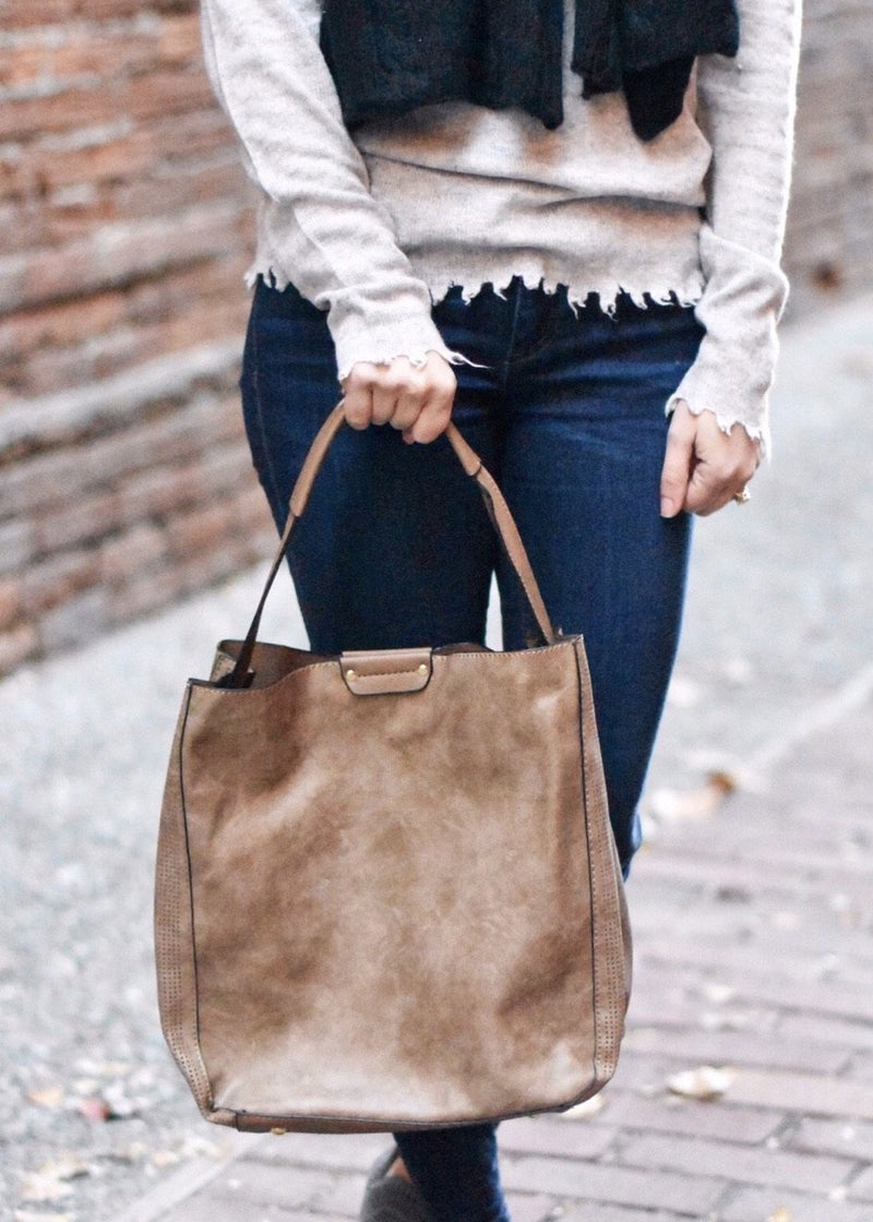 ON THE GO HANDBAG: BROWN