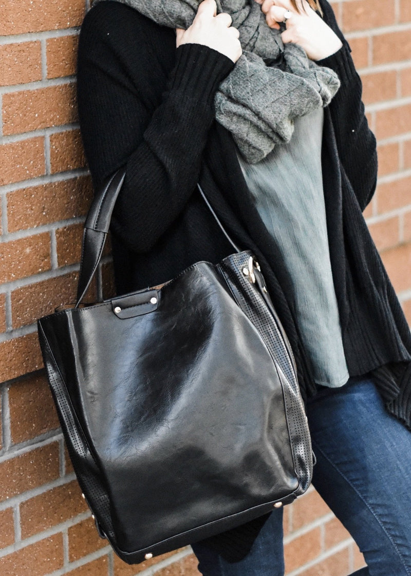 ON THE GO HANDBAG: BLACK