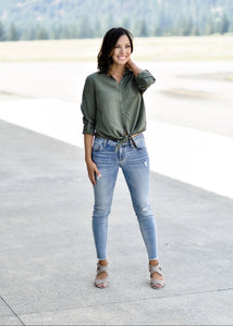 SUNNY DAY BUTTON UP:OLIVE