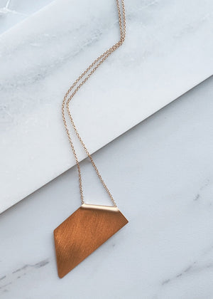 GEOMETRIC SHAPES: GOLD