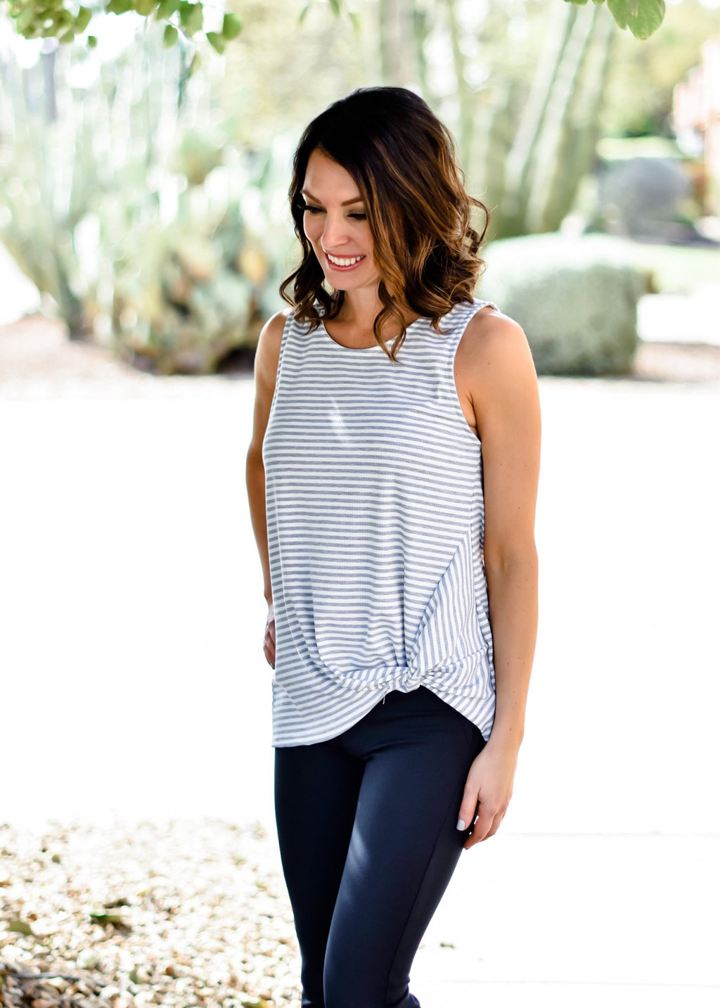 SIMPLE KNOT TANK