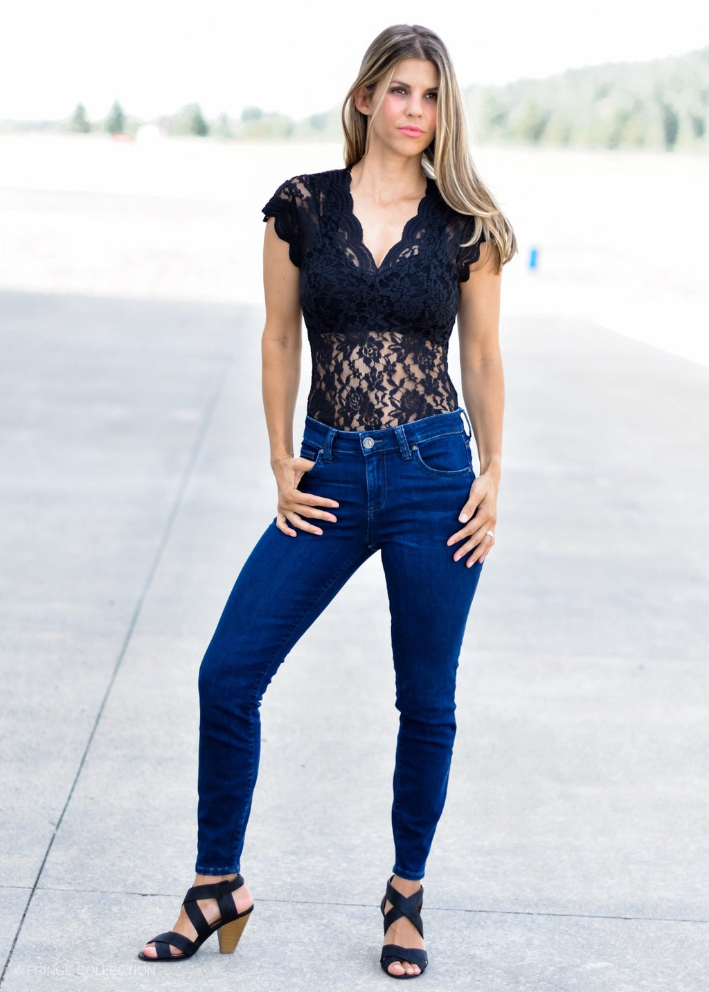 LOVELY LACE BODYSUIT BLACK