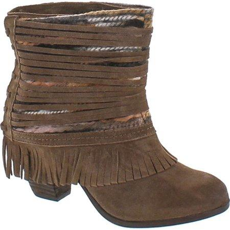 Fringe and Sass Booties:Tan