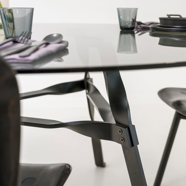 functionals-twist-glass-ronde-tafel-glas-staal