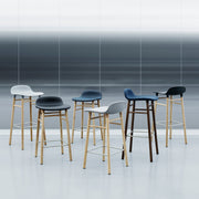 normann-copenhagen-form-barstool-walnut-kruk-noten-75cm-of-65cm
