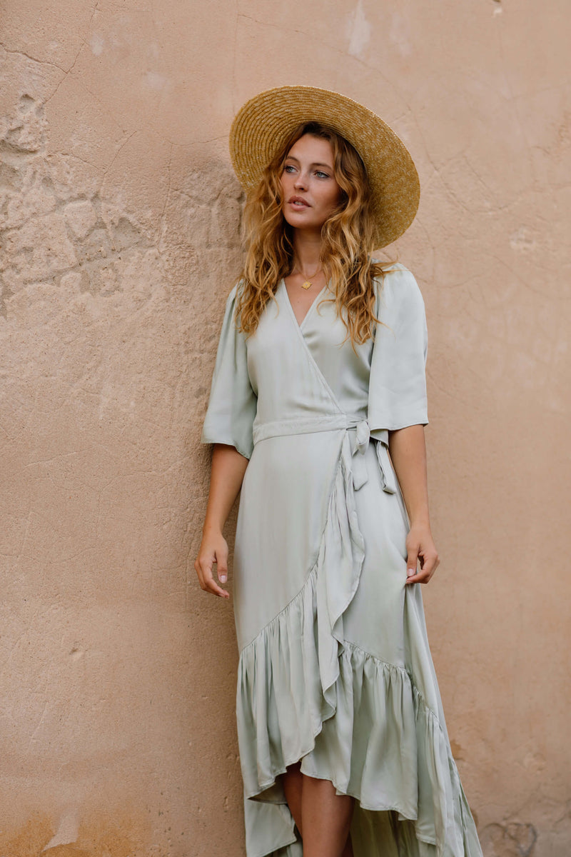 Bridesmaid dress-bridesmaid dresses- long dress-summer dress-summer-sustainable fashion-luxury boutique-sustainable fashion brands australia-australian ethical clothing brands-good quality clothes australia-pluza size boho clothing australia-non fast fashion brands australia-sustainabile australian brands-sustainable clothing australia-ethical clothing australia-australian ethical fashion-ethical online shopping-green maxi dress- mint maxi dress-maxi dress-summer dress-luxury boutique