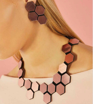 Collar Greta Hexagon