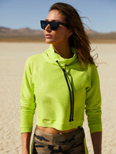 Load image into Gallery viewer, Koral Pump Netz Pullover- Neon Lime