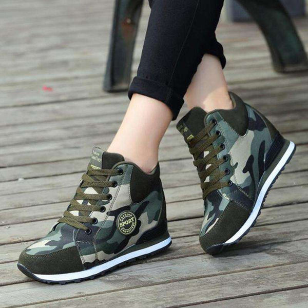 Lace-up Camouflage Sneakers