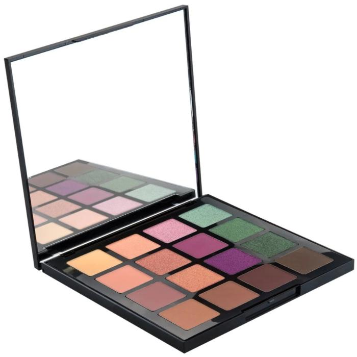L.A. Girl Fierce & Wild 16 Color Eyeshadow Palette 1.23oz / 35g
