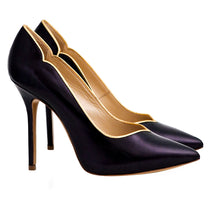 Eva s Black Pump