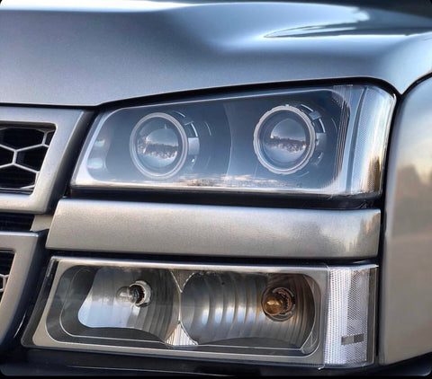 2003-2006 Chevy Silverado Headlights