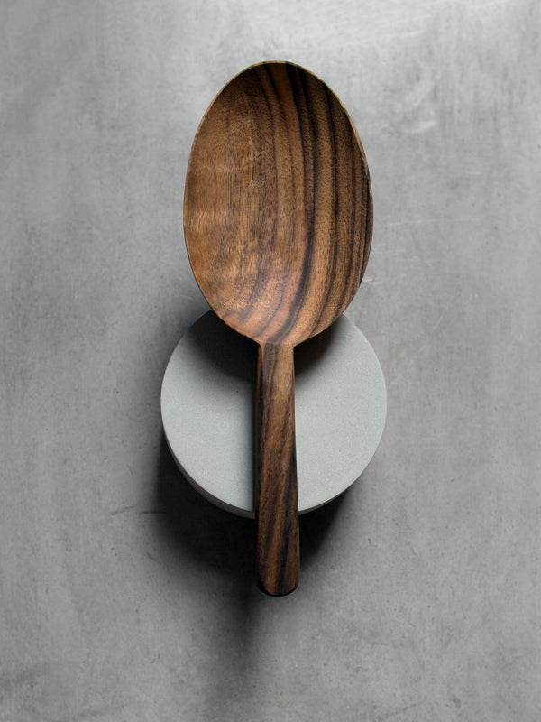 LARGE WALNUT SCOOP