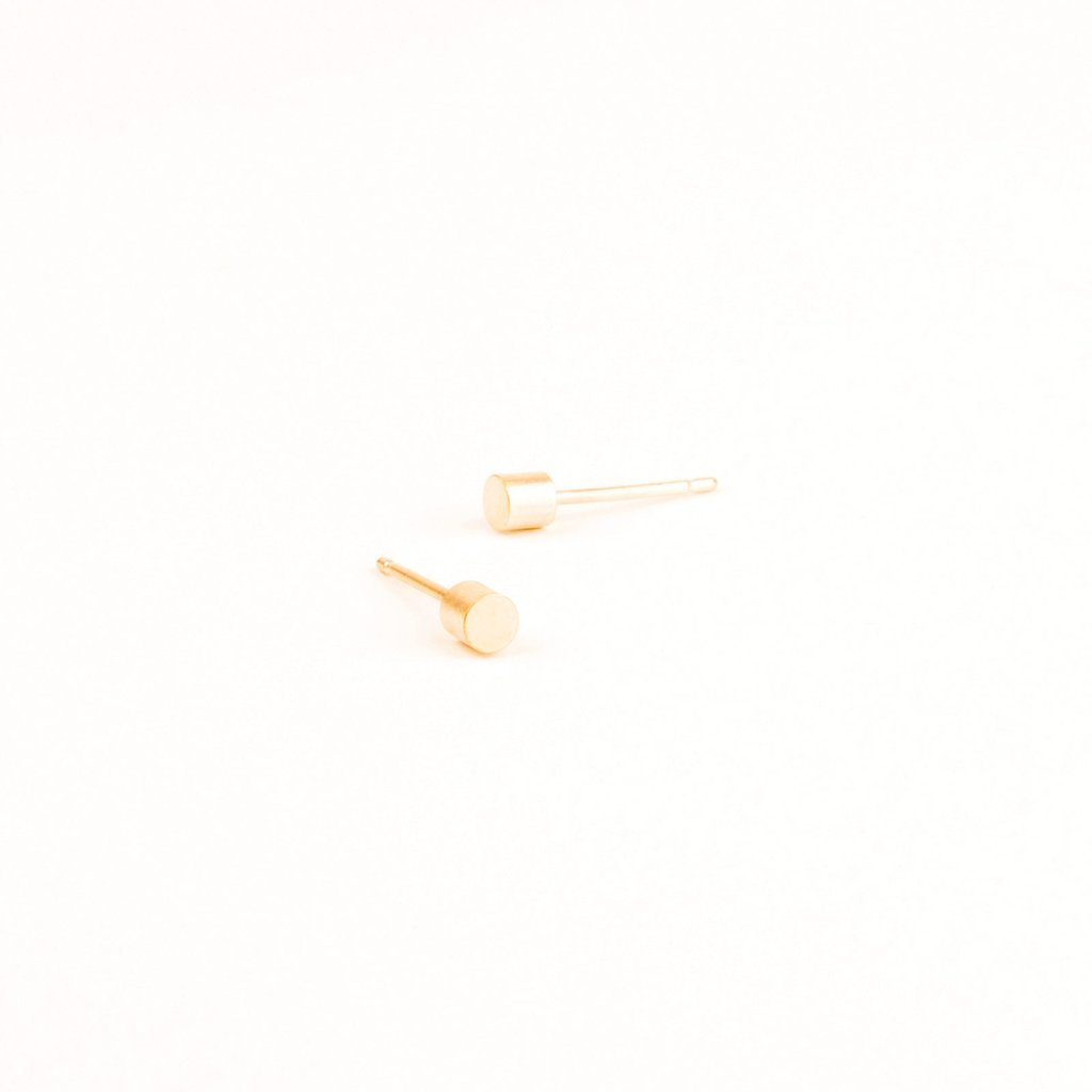 Tom Pigeon Béton Series Point Earrings · Gold