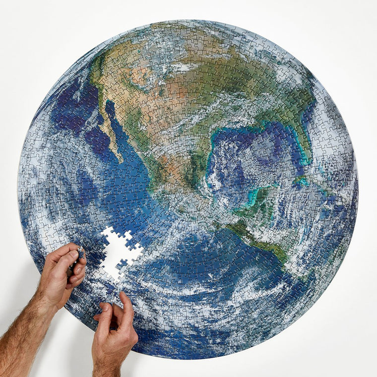 The Earth 1000 Piece Circle Puzzle