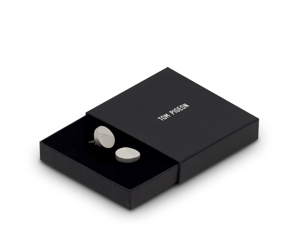 Tom Pigeon Jewellery BETON Disc Earrings · Solid Silver