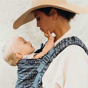 5 Tips for Easy Breezy Summer Babywearing