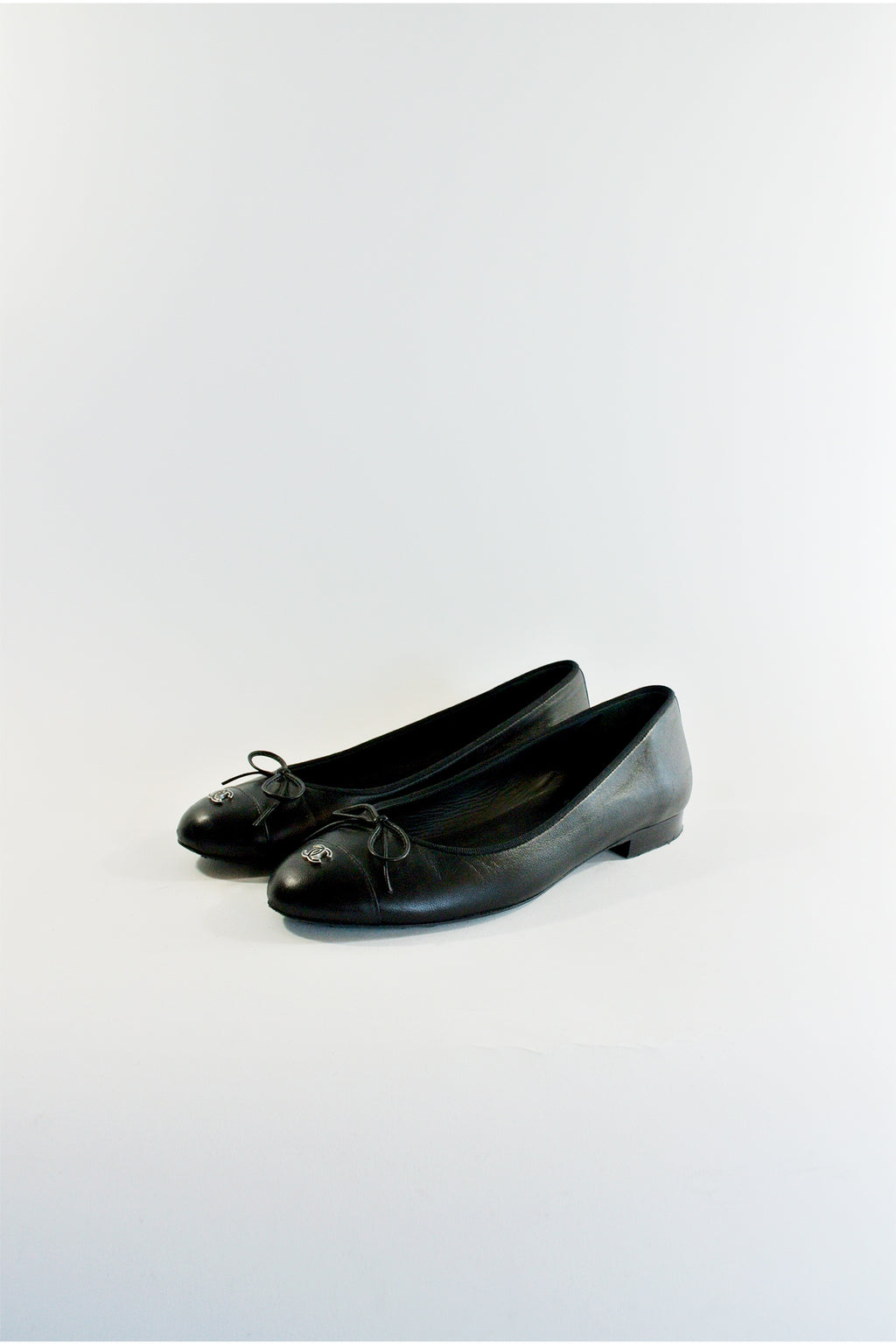 Chanel Leather Cap-Toe Flats Sz 37.5