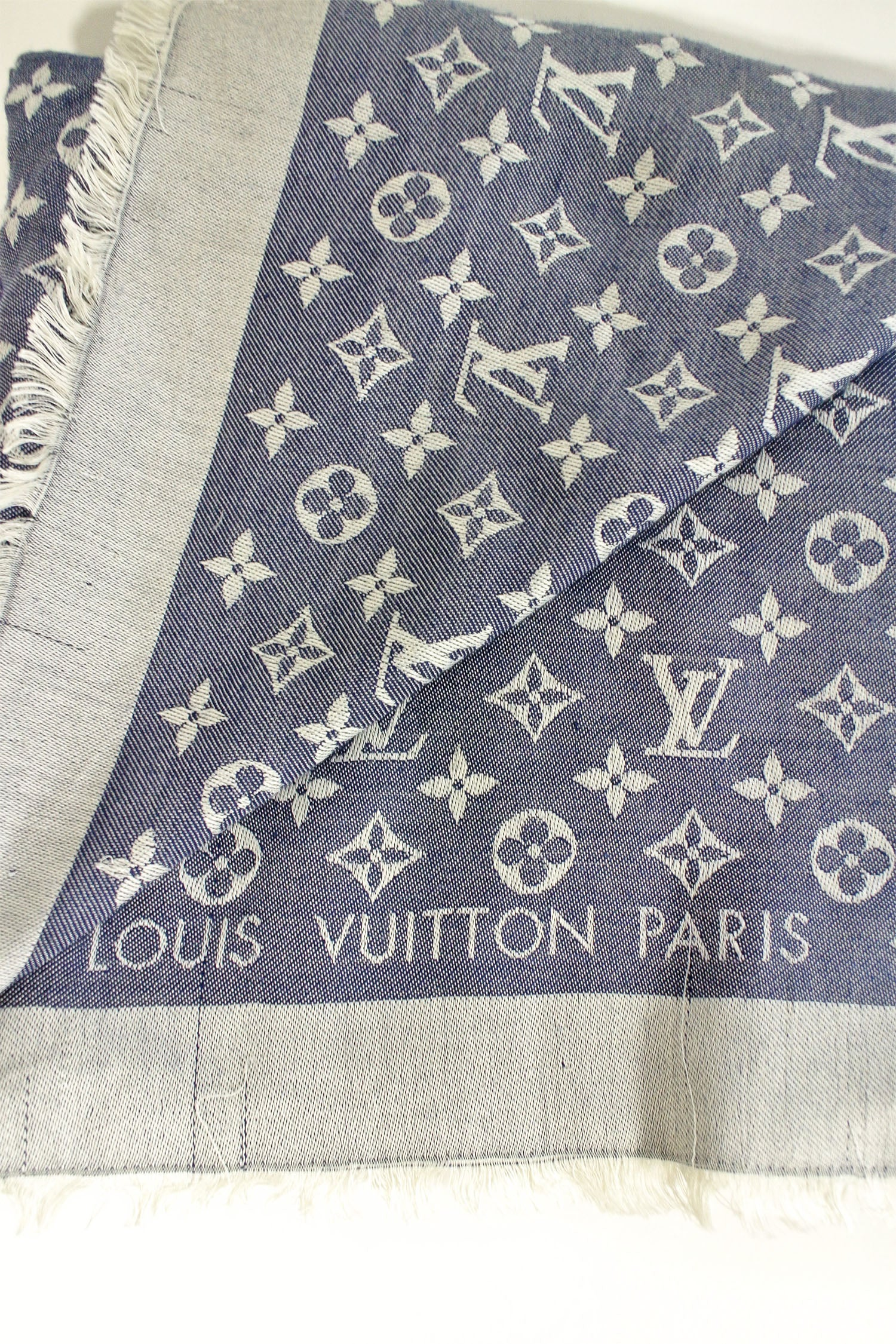 Louis Vuitton Silk & Wool Blue Monogram Shawl
