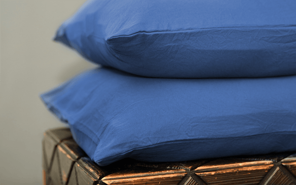 Load image into Gallery viewer, Vintage Navy Pillowcase Set