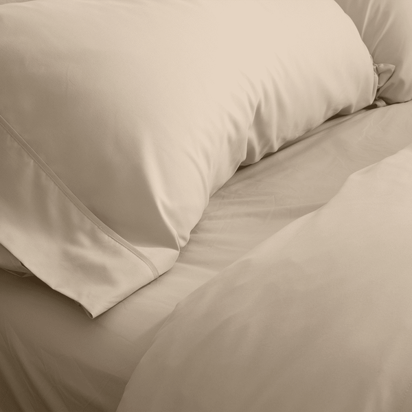 Load image into Gallery viewer, Almond (Ivory) Fitted Sheet