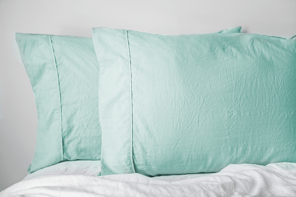 Load image into Gallery viewer, Vintage Seafoam Pillowcase Set