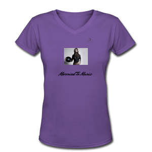 "Women DJ's Dream Logo - ""Married To Music"" Female DJ & Vinyl V-Neck Premium T-Shirt - purple"