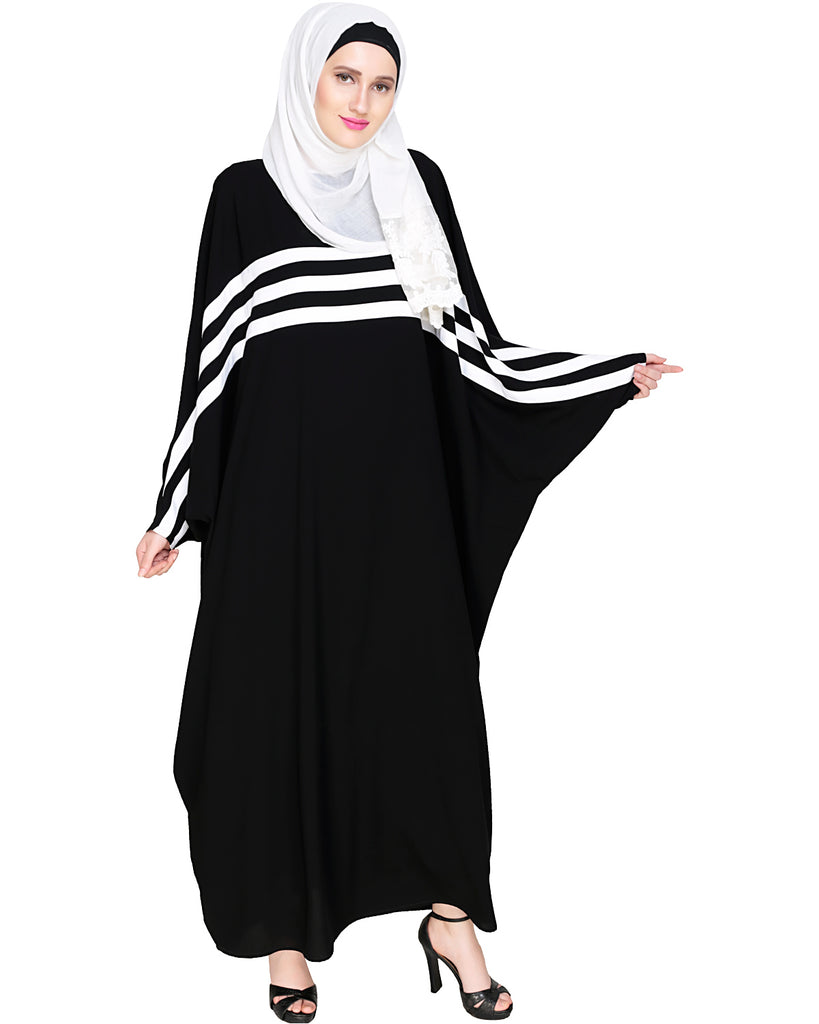Sporty Kaftan With White Detailing