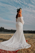 Load image into Gallery viewer, Mermaid Sweetheart Ivory Lace Long Maternity Wedding Dress with Long Sleeves