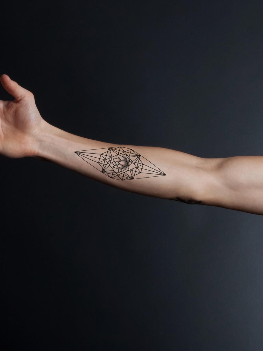Geometric Lotus Flower - Tatouage Ephémère - Tattoo Forest