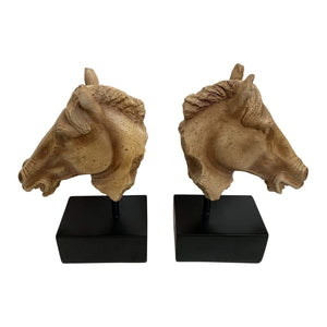 BROWN HORSE HEAD BOOKENDS W BLACK BASE