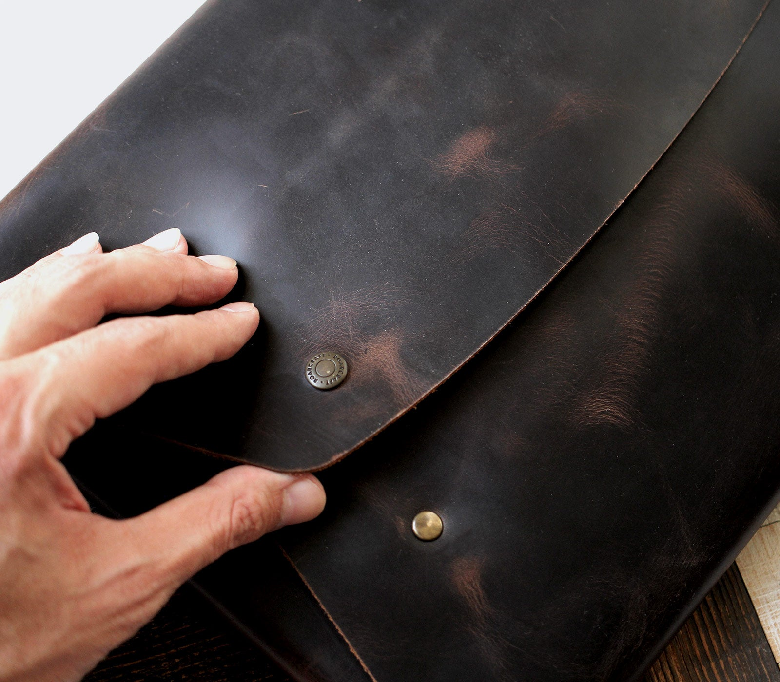 (NEW) Leather Macbook Case - Brown