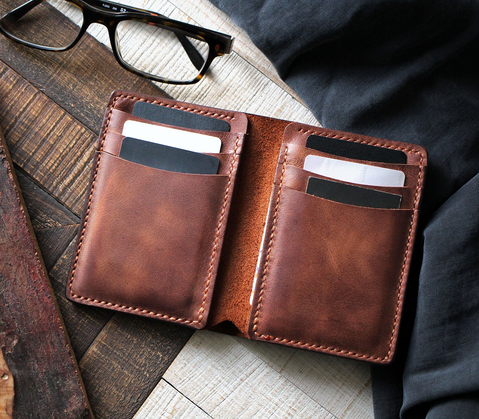 Vertical Wallet with Cash Pocket - Laodikya XL