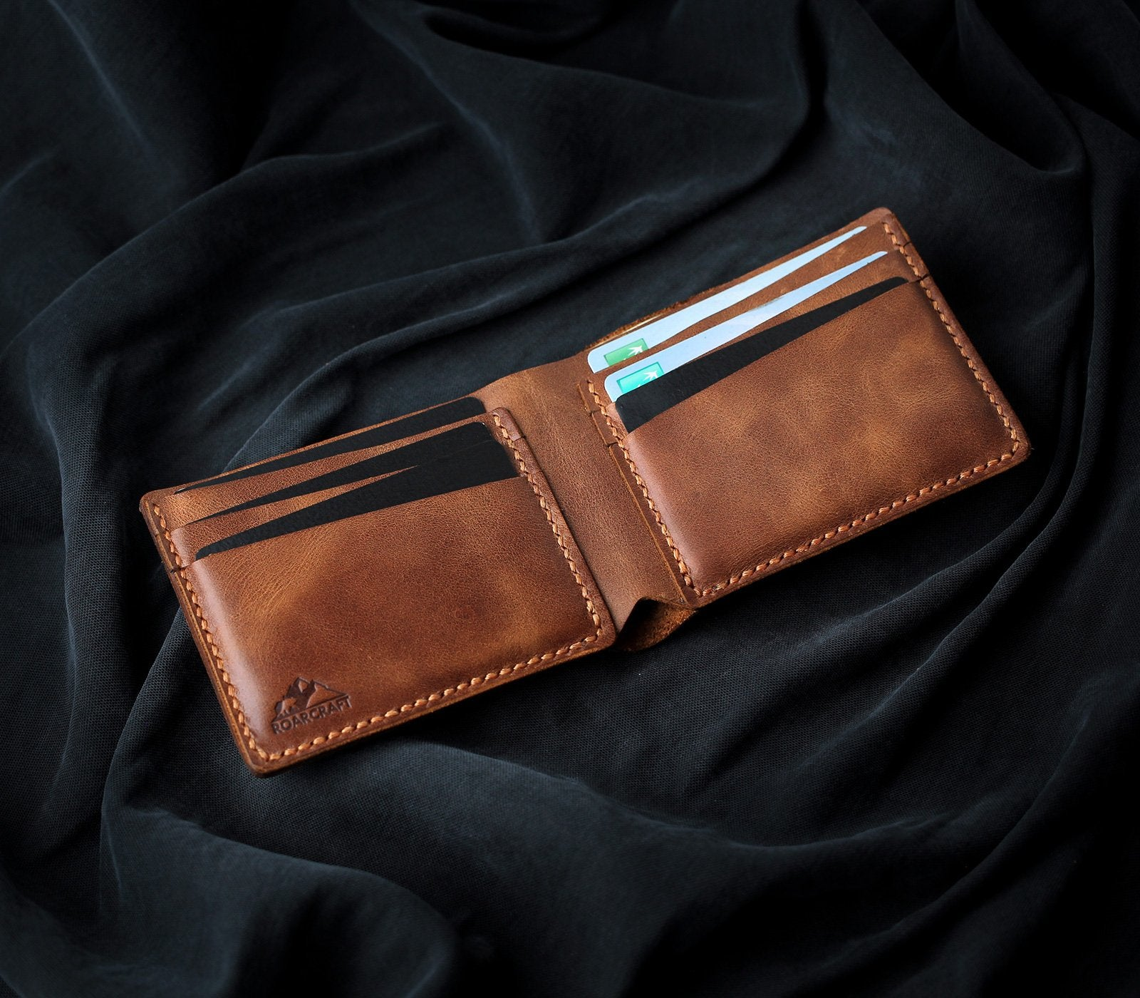Classic Bifold Leather Wallet - Pergamon