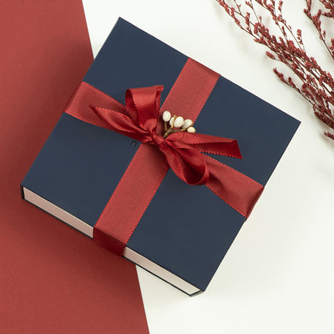 The Greatest Gift of All is the Gift of Giving, image of Nordgreen Gift Bundle.