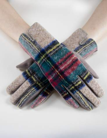 Plaidberry Touch Gloves
