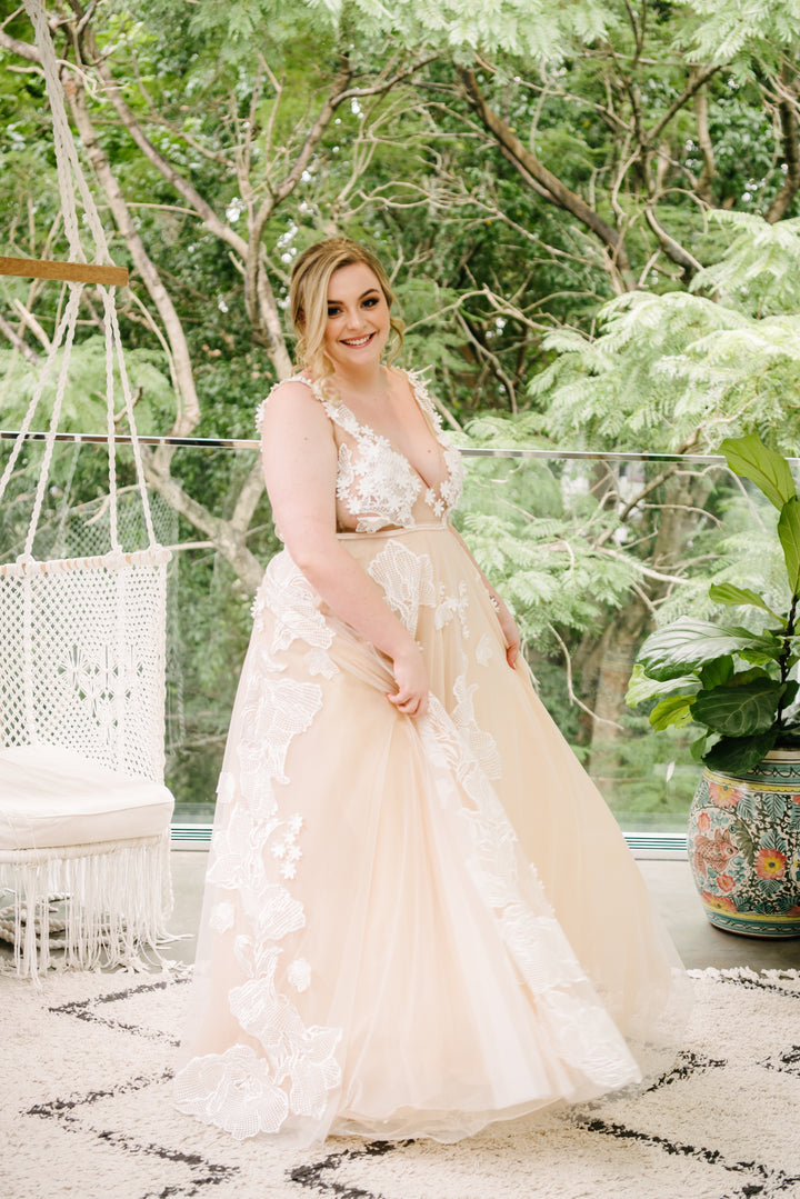 Flaunt Your Curves in These Stunning Gowns - Plus Size Bridal Dress Design