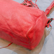 Load image into Gallery viewer, Balenciaga Twiggy Shoulder Bag Pink (Used)