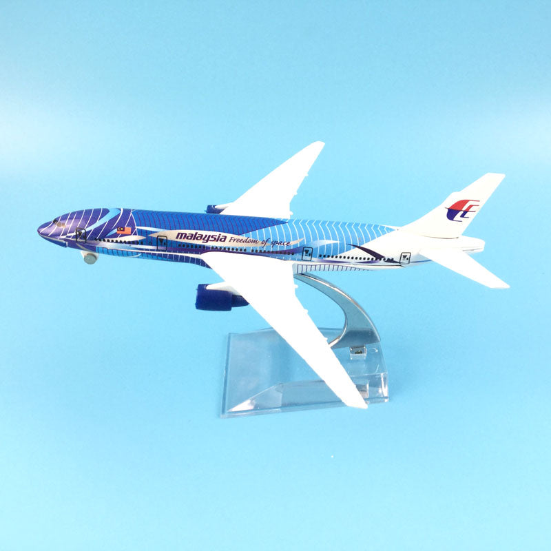Malaysia Airlines Boeing 777 Freedom of Space Airplane 16cm DieCast Plane Model