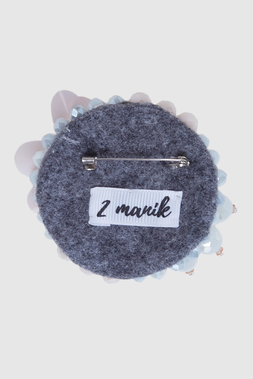 Dua Manik Hana Brooch in Grey