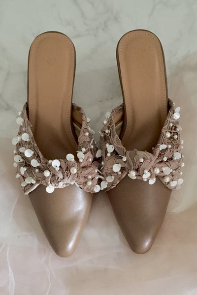 Leah Shoes in Mocca