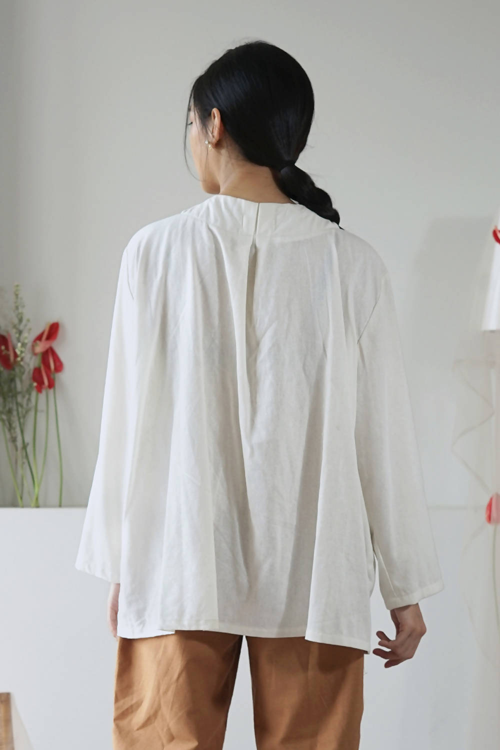 Lily Top Broken White