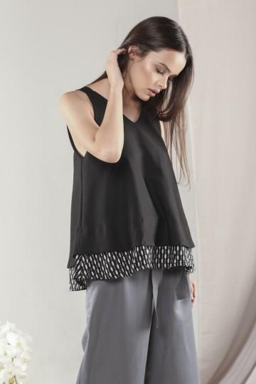 Anya Top in Black