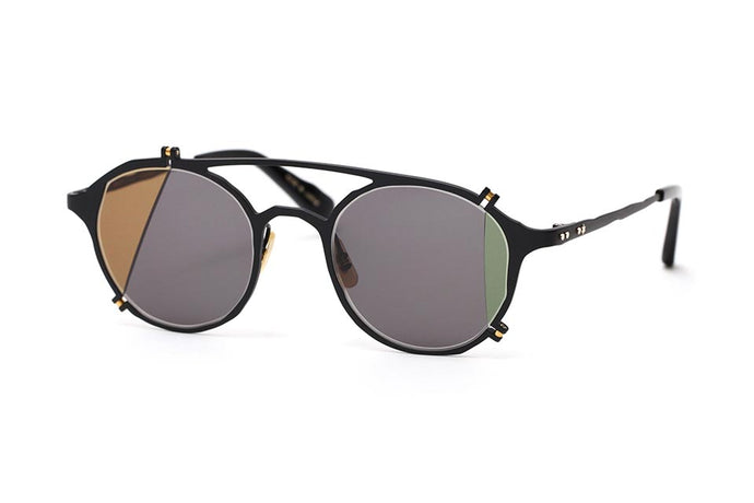 MM-0027 Sunglasses : broken Lens